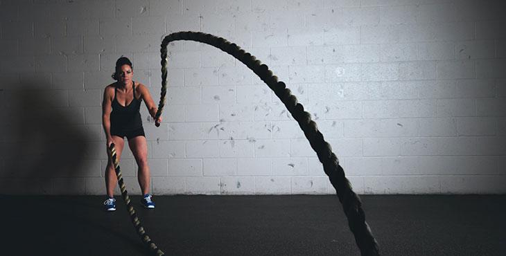 Упражнение с канатами